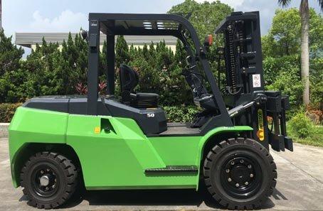 Xe nâng động cơ gas/LPG